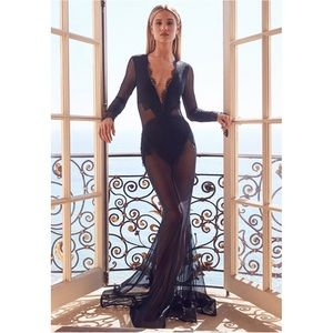 Michael Costello x REVOLVE Martin Gown Size Small